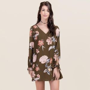 Francesca's collection Midori shift dress